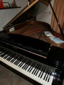 渋谷ピアノ教室レッスンで使用しているグランドピアノNX40